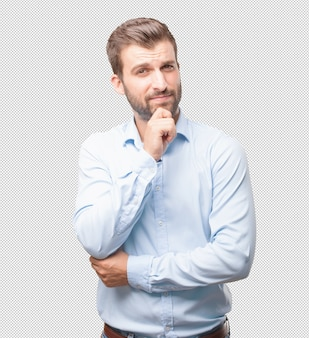 Homem bonito jovem pensando