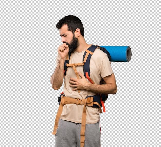 Homem caminhante está sofrendo com tosse e se sentindo mal