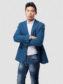 Homem chinês em pé