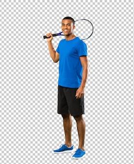 Homem de jogador de tênis americano africano