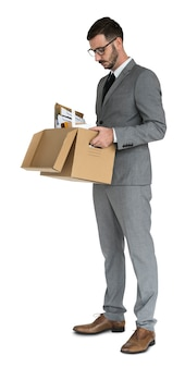 Homem de negócios caucasiano pack up retrenched