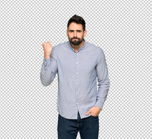 Homem elegante com camisa com gesto de raiva