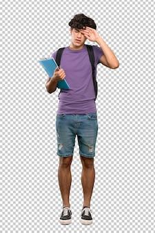 Homem jovem estudante com expressão cansado e doente