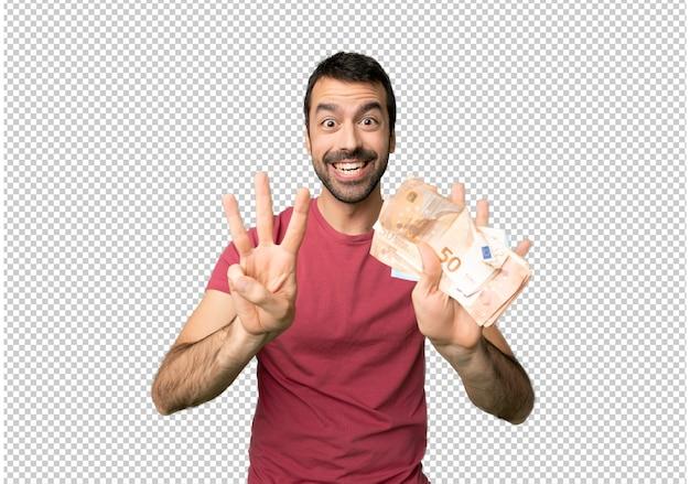 Homem levando muito dinheiro contando oito com os dedos