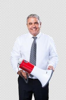 Homem maduro, segurando um megafone