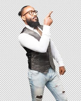Homem negro de negócios apontando com o dedo