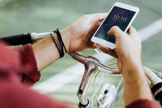 Homem, usando, um, smartphone