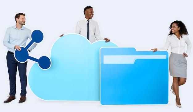 Internet e conceito de tecnologia de nuvem
