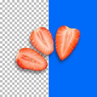 Isolado três fatias de morango vermelho em fundo transparente.