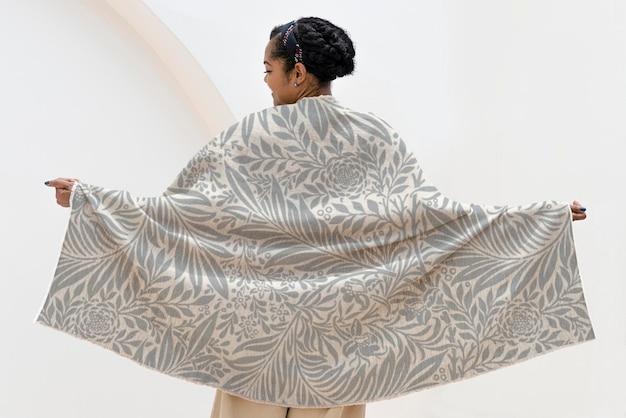 Jogue maquete de cobertor com padrão floral psd