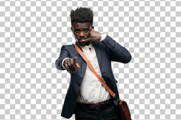 Jovem empresário negro, fazendo um telefonema gesto ou sinal