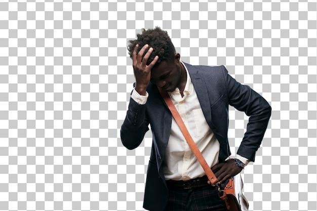 Jovem empresário negro feliz, percebendo algumas boas e surpreendentes notícias