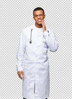 Jovem, homem americano afro, doutor, com, toothache
