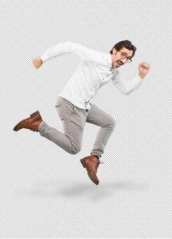 Jovem homem louco pulando