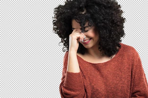 Jovem mulher feliz e rindo