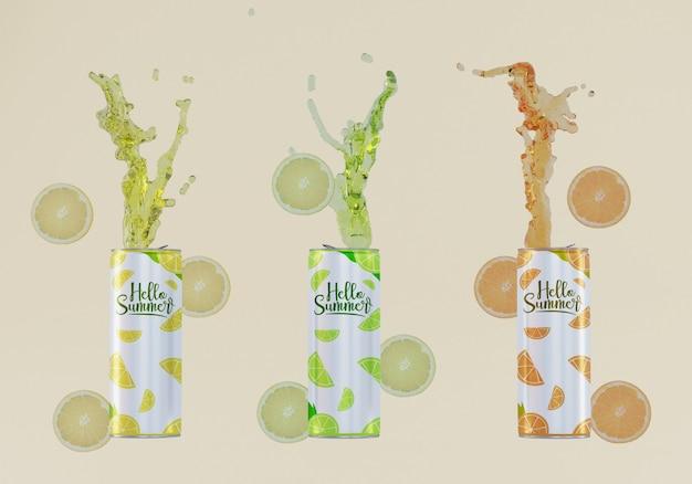 Latas de refrigerante de frutas com fundo bege