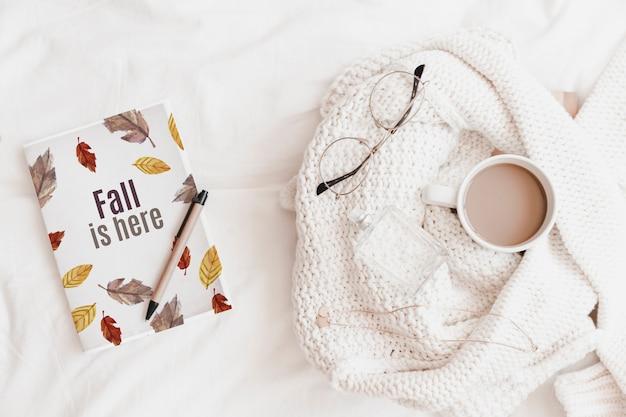 Literatura e maquete de outono
