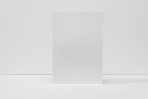 Livro em branco de vista frontal