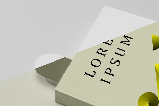 Livro mock-up com marcador