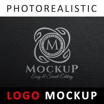 Logo mock up - logotipo branco impresso em couro preto