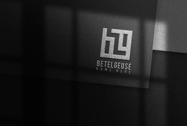 Logo prateado design em relevo business modelo de documento preto