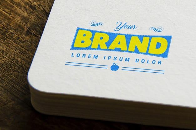 Logotipo em livro maquete