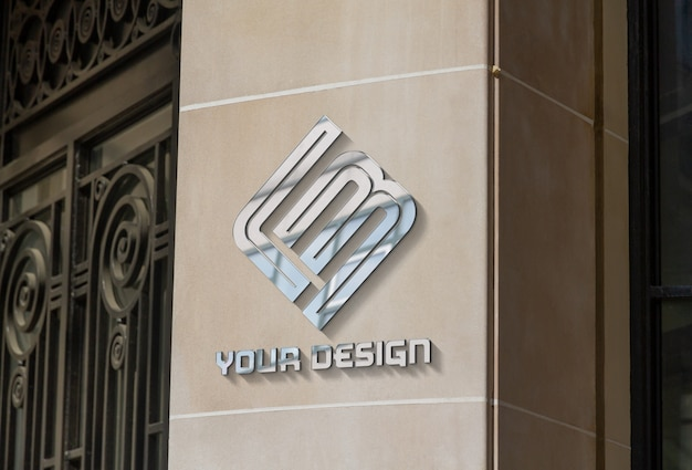 Logotipo metálico no modelo da parede da empresa