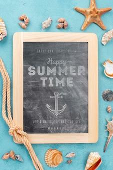 Lousa de mock-up com citação de verão