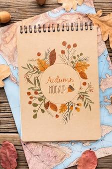 Mapa e caderno