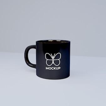 Maquete da caneca de café com cor mutável