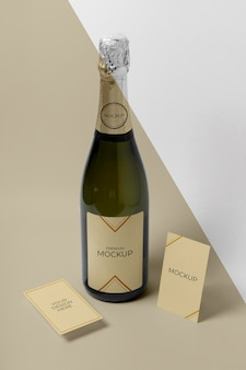 Maquete da garrafa de champanhe com vista elevada
