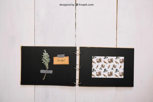 Maquete de ação de graças com o livro