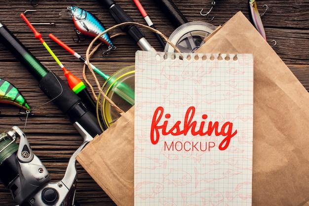 Maquete de acessórios de pesca e sacola de compras