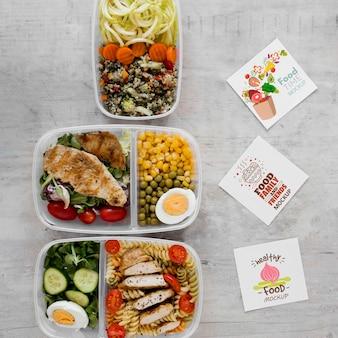 Maquete de alimentos e notas autoadesivas