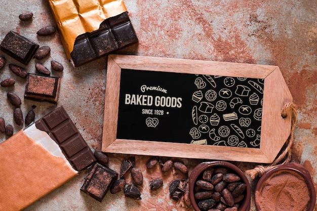 Maquete de ardósia com conceito de chocolate