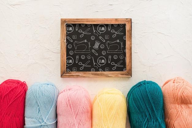 Maquete de ardósia com conceito de costura