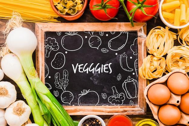 Maquete de ardósia com conceito de vegetariano