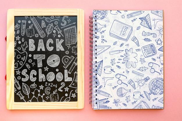 Maquete de ardósia com volta ao conceito de escola
