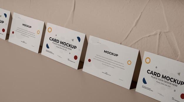 Maquete de arranjo de cartões de visita de alto ângulo