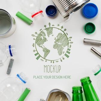 Maquete de arranjo de objetos recicláveis