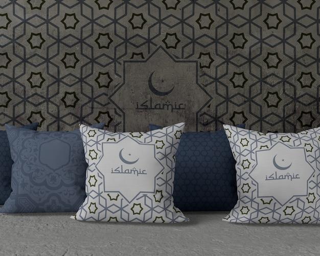 Maquete de arranjo de ramadan vista frontal com almofadas