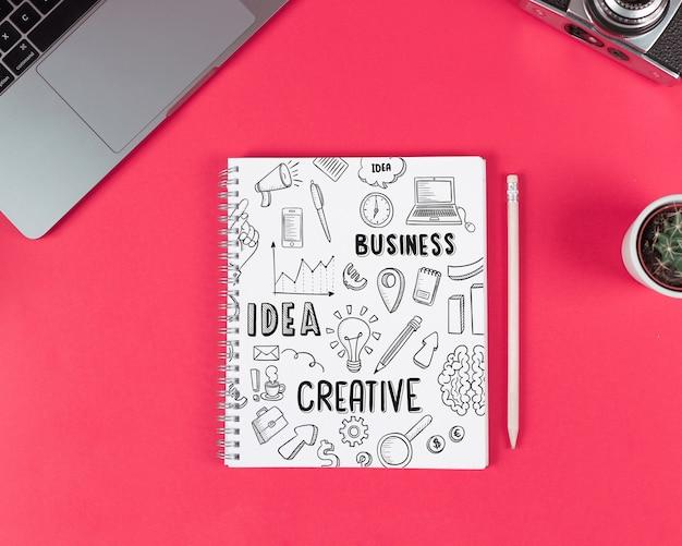 Maquete de bloco de notas criativo