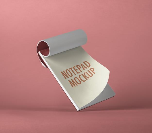 Maquete de bloco de notas voadora