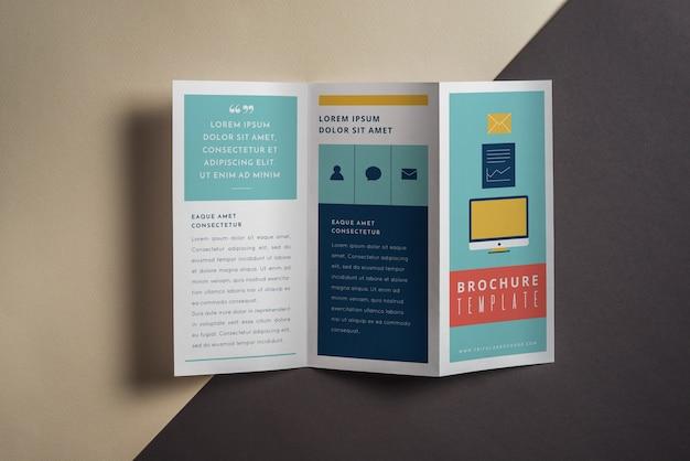Maquete de brochura com três dobras criativas