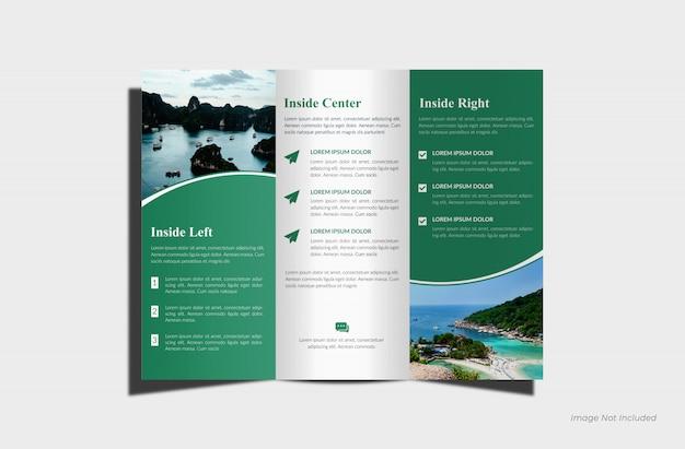 Maquete de brochura com três dobras realista