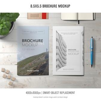 Maquete de brochura de retrato
