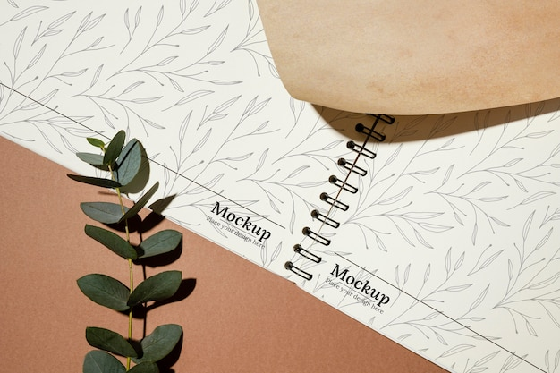Maquete de caderno de material natural