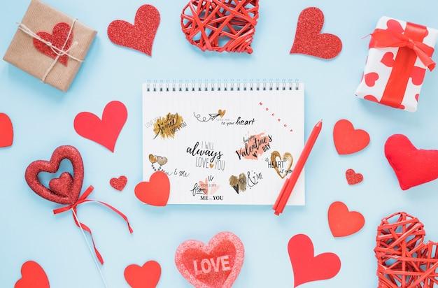 Maquete de caderno espiral para dia dos namorados