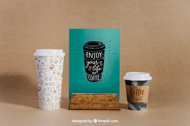 Maquete de café com duas xícaras e menu