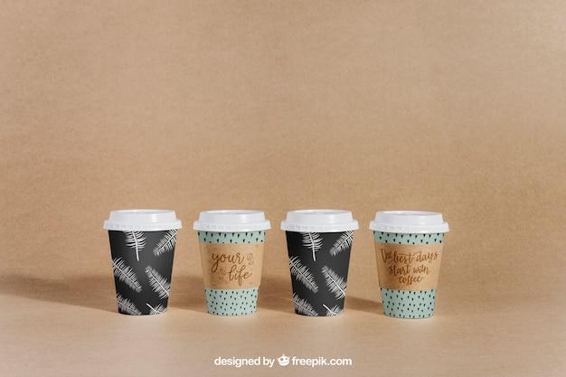 Maquete de café com quatro copos